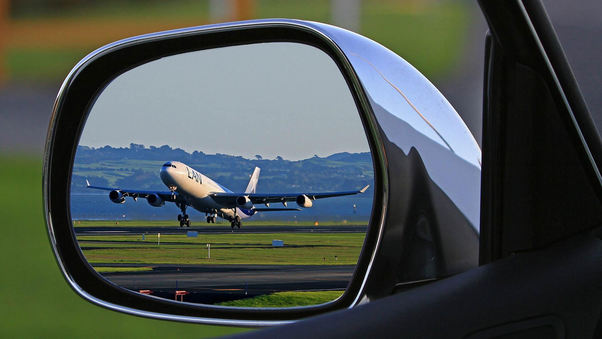 Auto con conducente da e per l'aeroporto di Linate